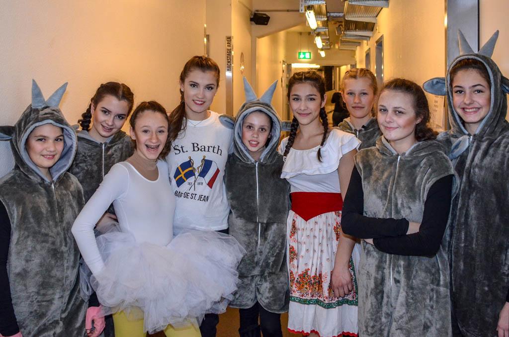 Viele Kader-Läuferinnen mit Alexia Paganini